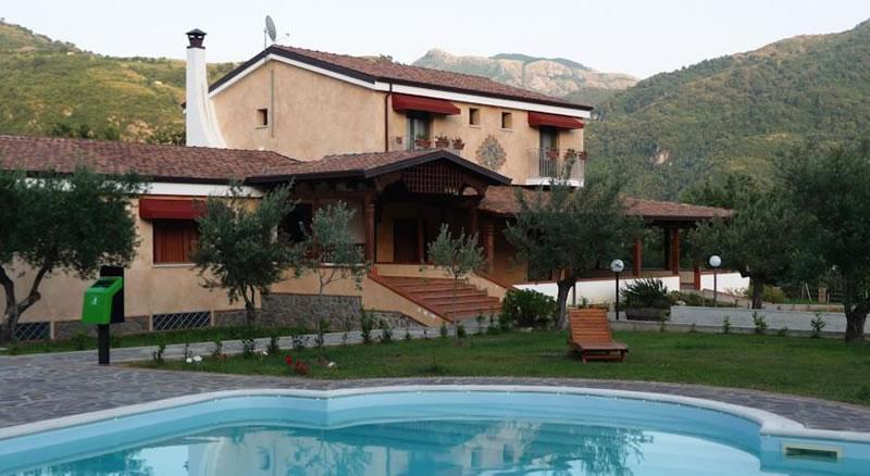 Agrilao Resort Club sorge tra Santa Domenica Talao e Orsomarso