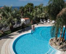 Hotel Village Eden a Capo Vaticano la piscina dall'alto
