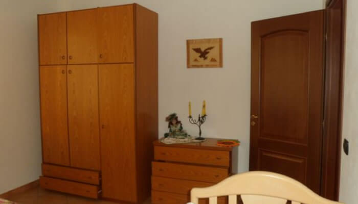 Appartamento Il Girasole a Tropea camera