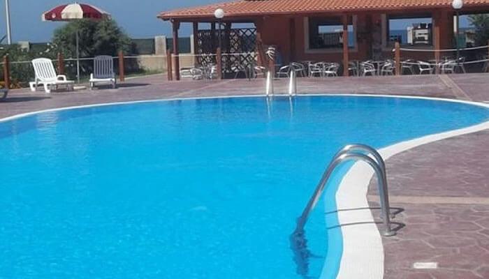 Baia di Zambrone Camping a Zambrone - la piscina2