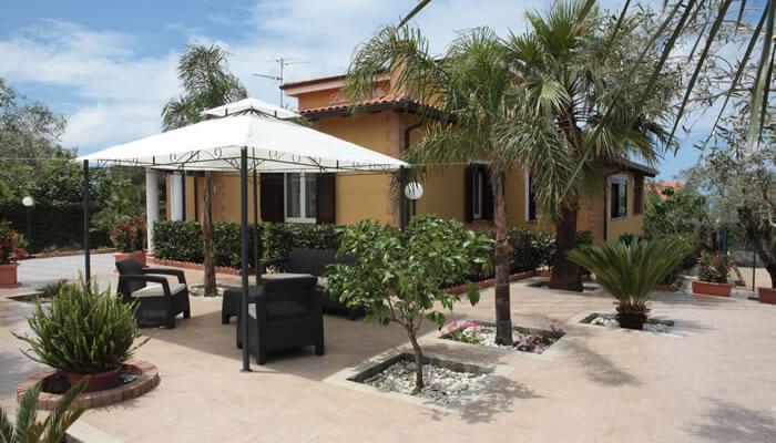 Bed and Breakfast Villa Isa a Sant'Angelo di Drapia - giardino