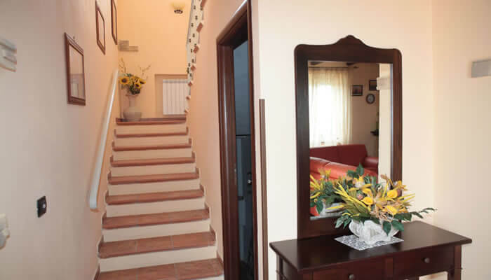 Bed and Breakfast Villa Isa a Sant'Angelo di Drapia - scale interne