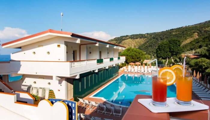 Hotel Santa Lucia a Parghelia - la struttura