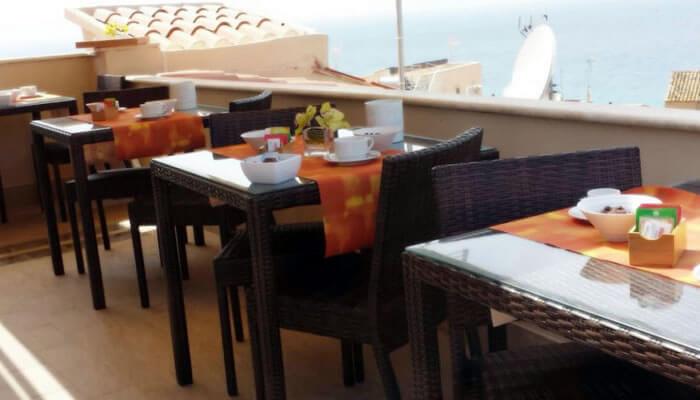 Residenza LoryLu Tropea - colazione in terrazza