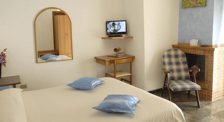 Hotel Supersonik ad Acri