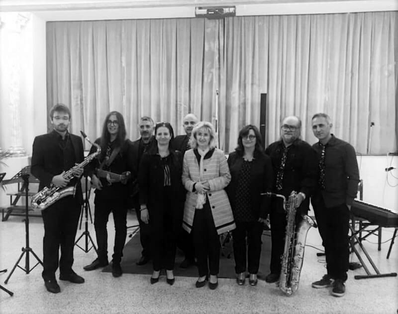I responsabili di MUSICA INSIEME con il FILAGRAMMA Jazz 6et
