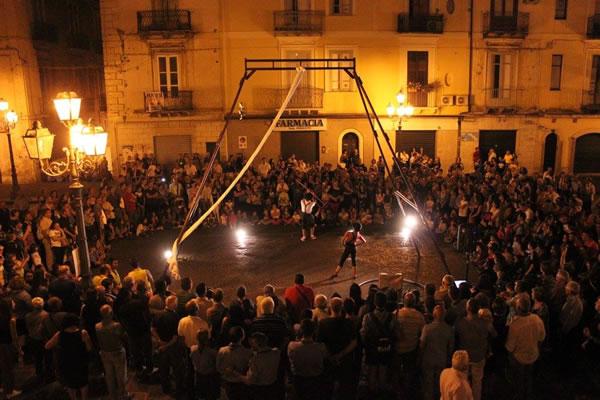Festival di artisti di strada a Maida