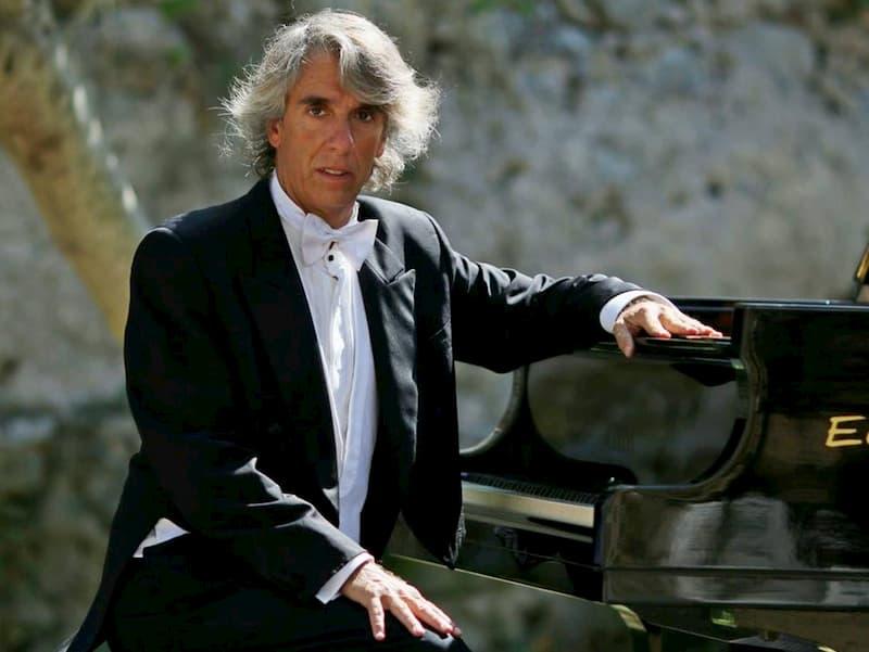 Pianista Emilio Aversano