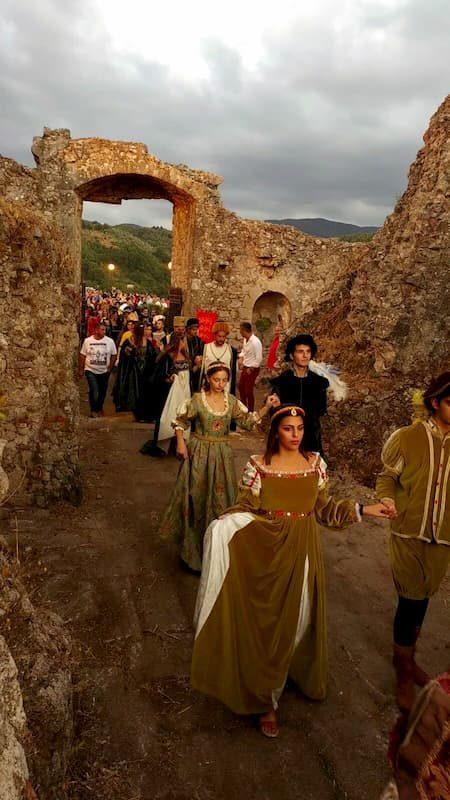 Castellana di Arena ingresso dame castello