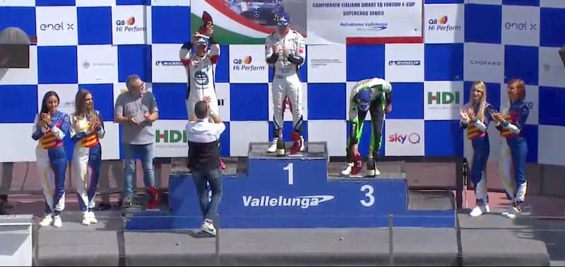 Simone Iaquinta sul podio della Carrera Cup Italia