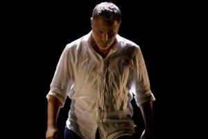Per la stagione di prosa del Teatro Comunale di Ceglie Messapica il premio UBU, Davide Enia in scena con L'Abisso