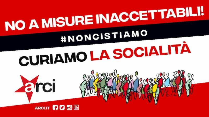 Arci Crotone 30 ottobre 2020 presidio democratico, curiamo la socialità