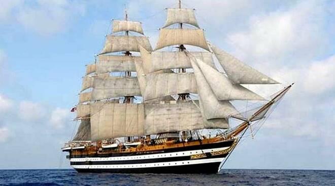 Amerigo Vespucci nave