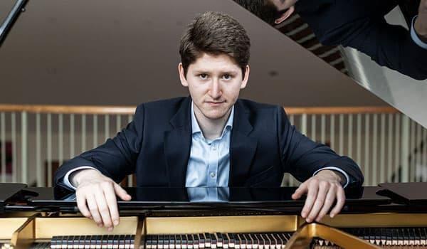 Emanuil Ivanov pianoforte