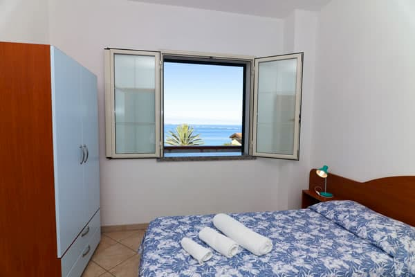 Case-Vacanze-Parghelia-Appartamenti-vacanza-Tropea