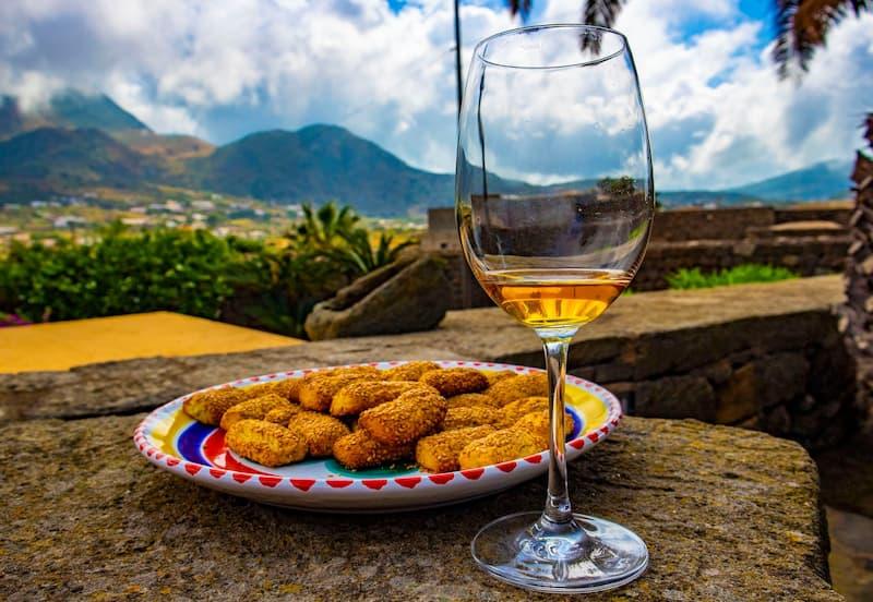 Pantelleria, un'isola da scoprire